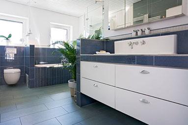 Badezimmer Möbel und Sanierung in Fulda