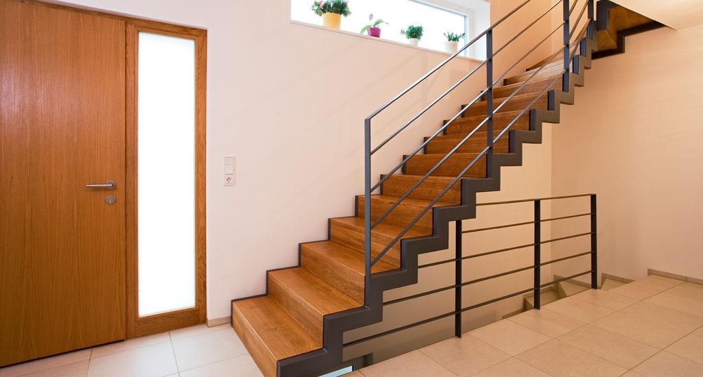 Holztreppe gel nder stufen schreinerei in fulda - Holztreppe fliesen ...