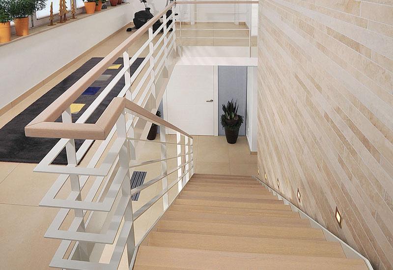 Weiße Holztreppen holztreppe geländer stufen schreinerei in fulda